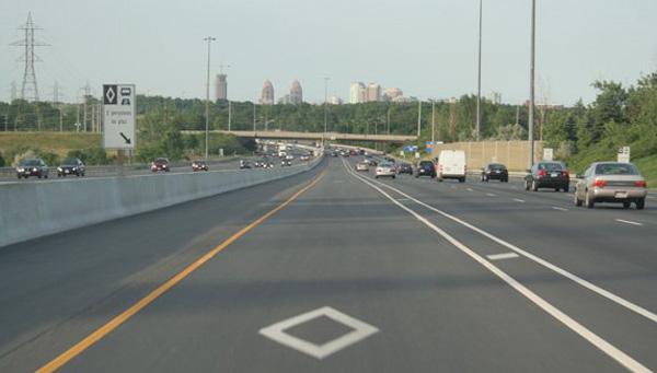 Ontario highway QEW HOT lanes