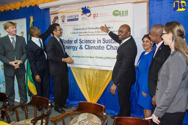 Minister of Science, Energy and Technology discussing sustainable energy schedule
