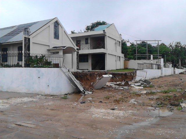Perimeter wall at Barbican Baptist Church in Jamaica